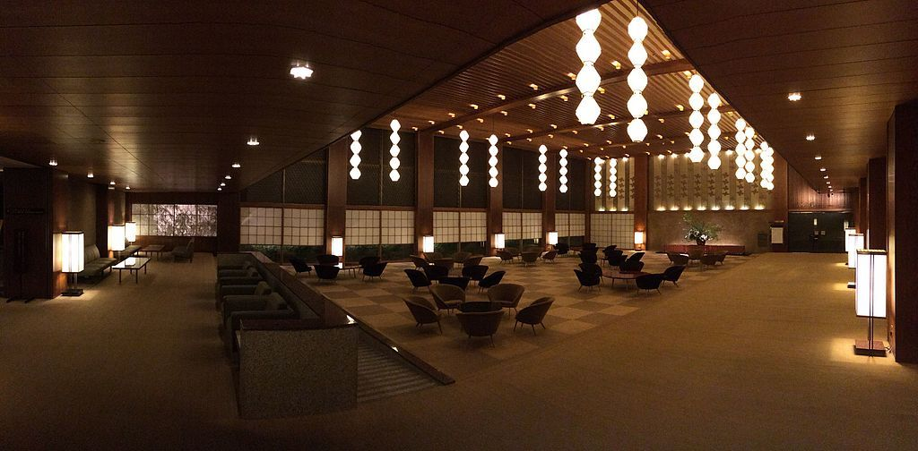 Photo:  <a href='https://commons.wikimedia.org/wiki/File:Hotel_Okura_Tokyo_lobby_at_4_a.m.jpg'>Calton via Wikimedia Commons</a>